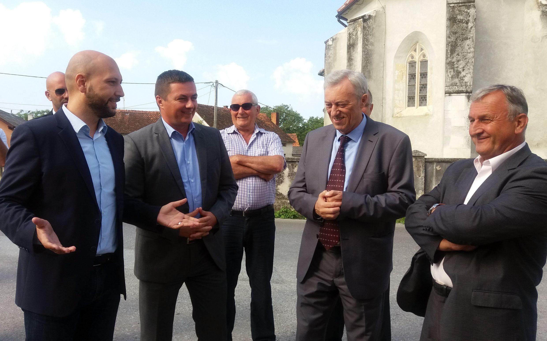 Photo of Zmajlović inicirao susret sa županom u vezi gradnje nove škole u Jaski i obilaznice oko Petrovine | AUDIO i FOTO