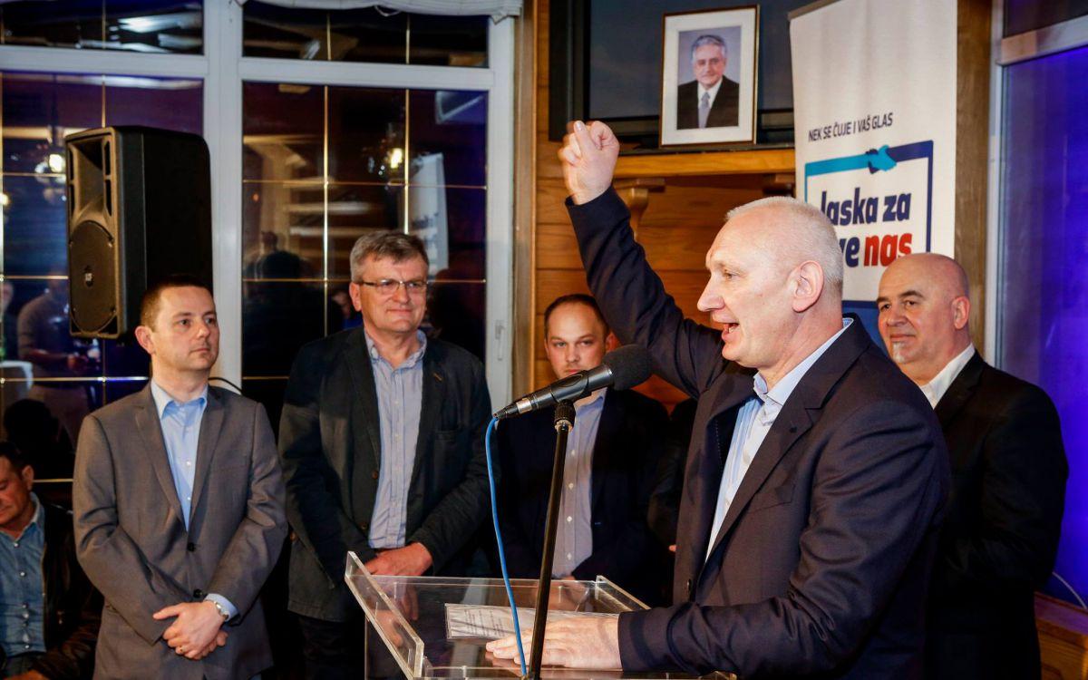"Photo of HDZ-ov Tomislav Preprotić na izbore uz moto ""Jaska za sve nas"" | audio"