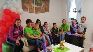 Photo of Trkači cross lige Gović slatkišima darovali djecu za Uskrs