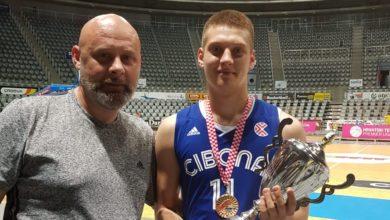Photo of Hrvoje Majcunić kadetski i juniorski prvak s Cibonom