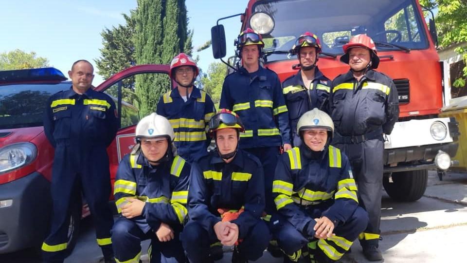 Vatrogasci u 4. smjeni sezonske interventne postrojbe na Visu