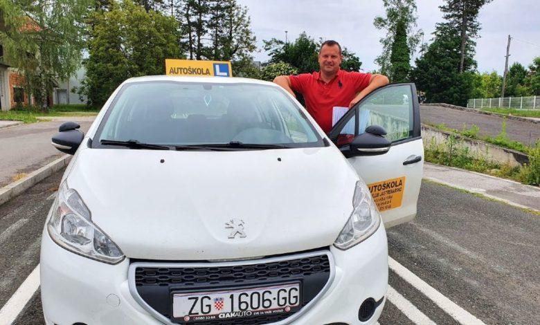Photo of Rad autoškola u doba korone dočarava nam instruktor vožnje